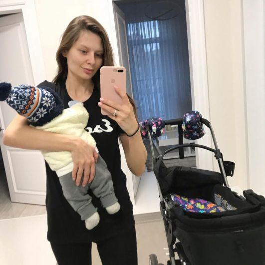 Телеведущая и актриса Алена Мусиенко стала мамой в октябре 2018 года - на свет появился мальчик. Отцом ребенка является брат министра инфраструктуры Украины Максим Омелян.