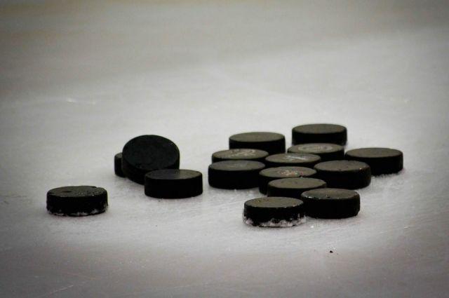 Тюменские хоккеисты обыграли оренбуржцев в домашней игре