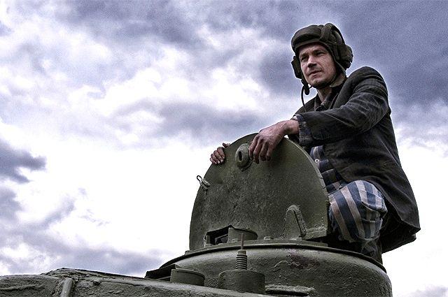 Александр Петров в фильме «Т-34».