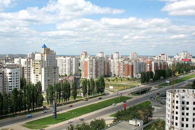 Московский проспект и прилегающие к нему улицы интенсивно застраиваются.