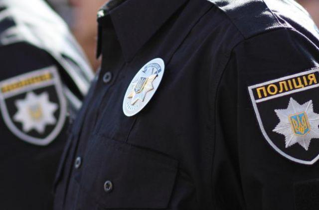 Капитана полиции госпитализировали. У нее сотрясение головного мозга и ушибы тела.