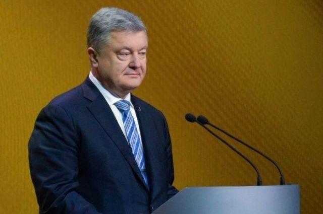 Порошенко сообщил о «принципиальном решении» прекратить военное положение