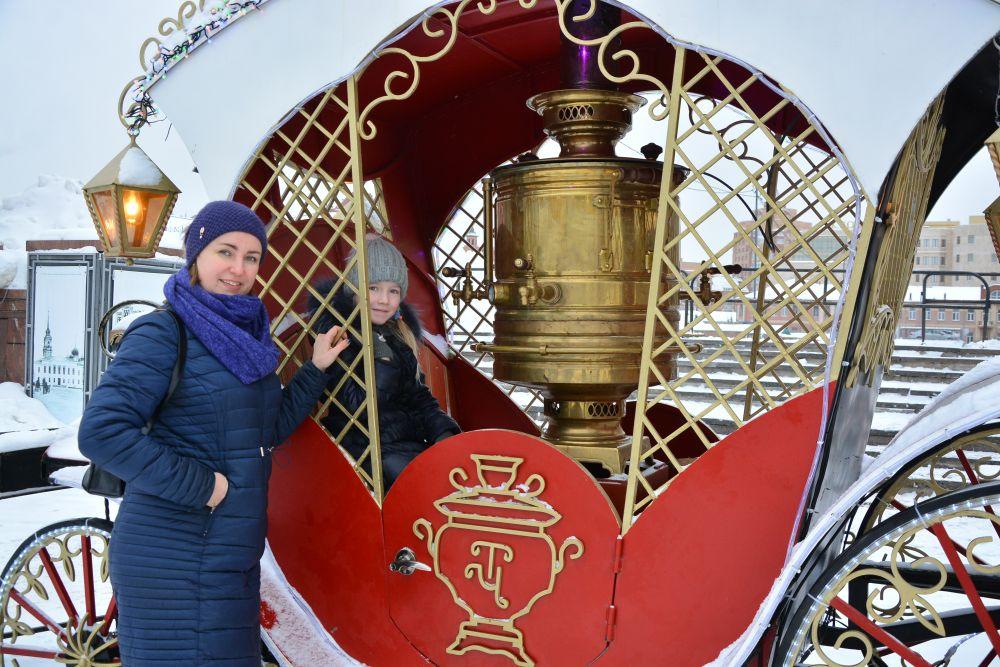 Татьяна и Надежда из  Орла желают тулякам счастья, здоровья, больше улыбок и процветания.