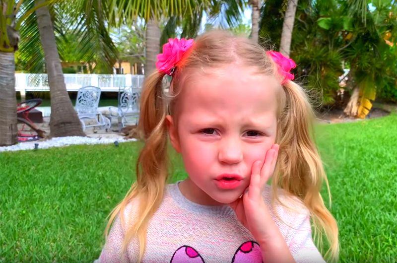 Like Nastya — 11 млн подписчиков. Вообще детские блоги имеют огромную популярность на Youtube. На своем канале девочка Настя играет с куклами, распаковывает новые игрушки и путешествует.