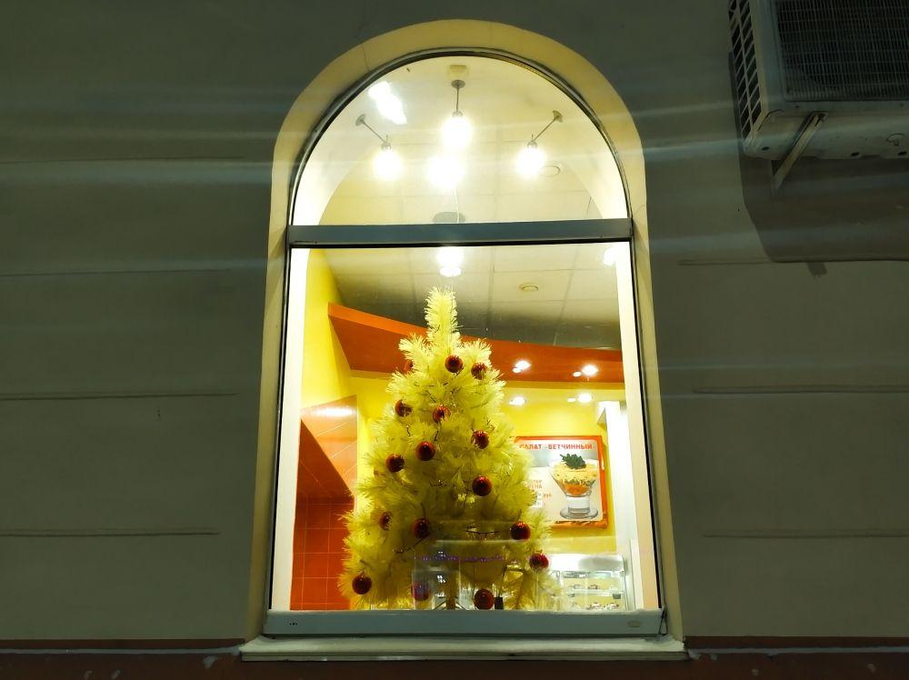 Каждый внес вклад в создание новогоднего настроения у горожан.