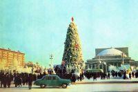 Главная городская ёлка на площади Ленина