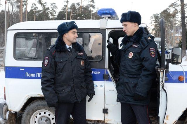 На место выехал экипаж патрульно-постовой службы в составе старшего лейтенанта Рафика Мамедова и сержанта Сергея Некрасова.