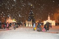 В новогоднюю ночь будет тепло и снежно.