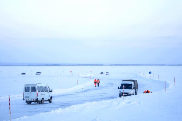 В Уренгое открыли ледовую переправу