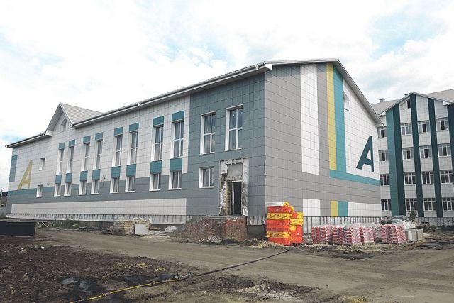 «Школа - Центр современных индустриальных технологий» состоит из четырёх модулей, в каждом из которых будут располагаться профильные центры.