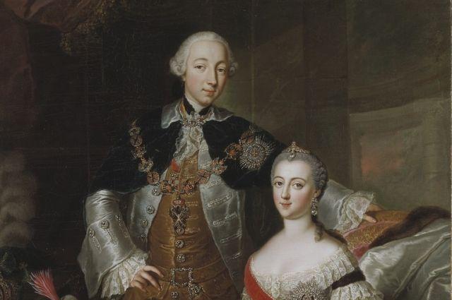 Положение Петра III в обществе было шатким, но также непрочным было положение Екатерины при дворе. Пётр III открыто говорил, что собирается развестись с супругой.