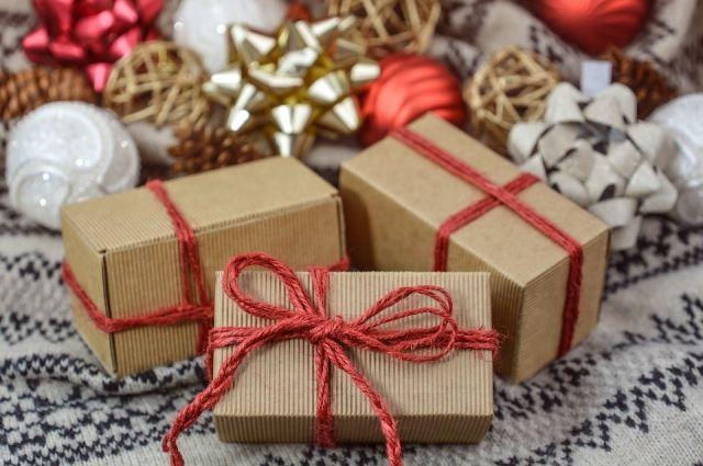 Тобольские ребятишки получили подарки к Новому году