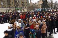 «Щедрик» и елка: дети Покровска установили сразу два новогодних рекорда