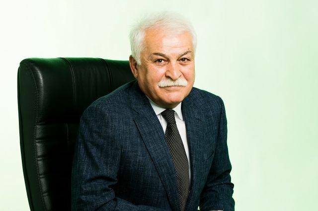 В 2014 году Хадис Боттаев стал депутатом парламента Кабардино-Балкарии.