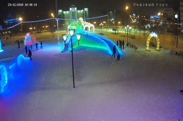 В Ноябрьске установили видеонаблюдение у Ледового городка