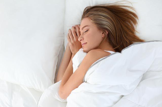 Занялся сексом пока она спала