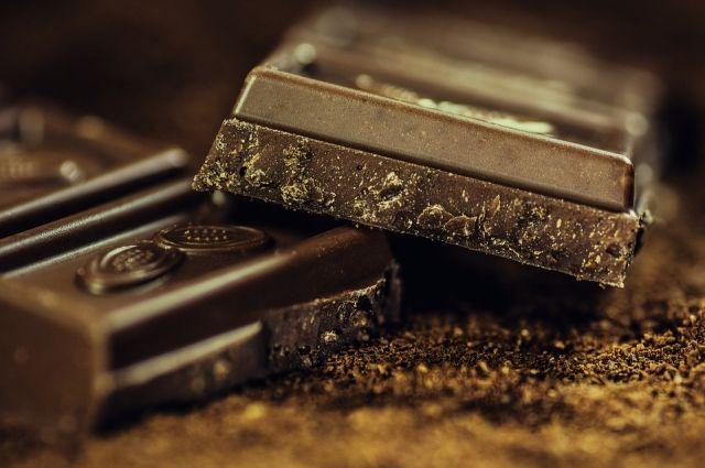 Новосибирец пытался украсть 10 шоколадок.
