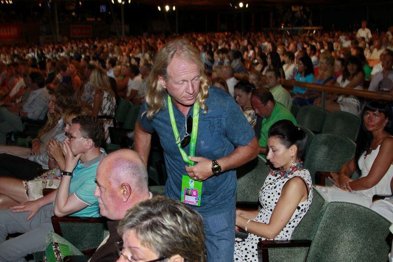 Крис Кельми намеждународном конкурсе молодых исполнителей популярной музыки «Новая Волна 2012» вконцертном зале «Дзинтари» вЮрмале.