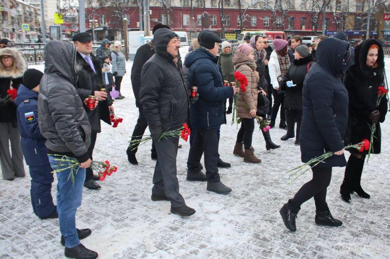 В акции приняли участие несколько десятков горожан.