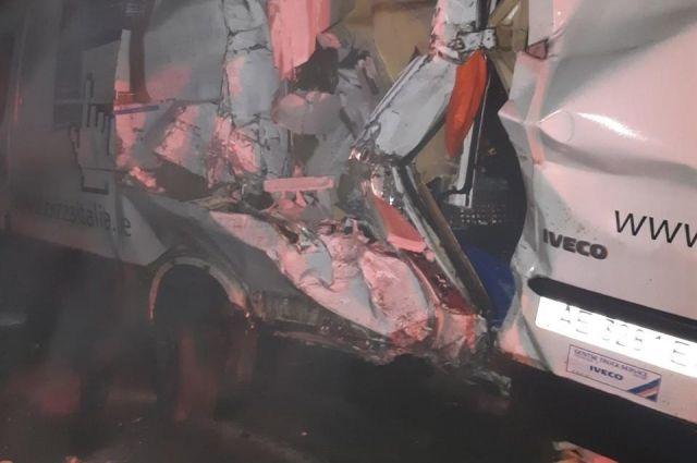 В Херсонской области из-за ДТП водитель погиб во время ремонта авто