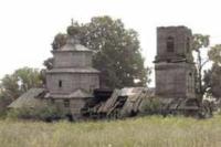 Вот что осталось от церкви в с. Архангельские Кляри Камско-Устьинского района.