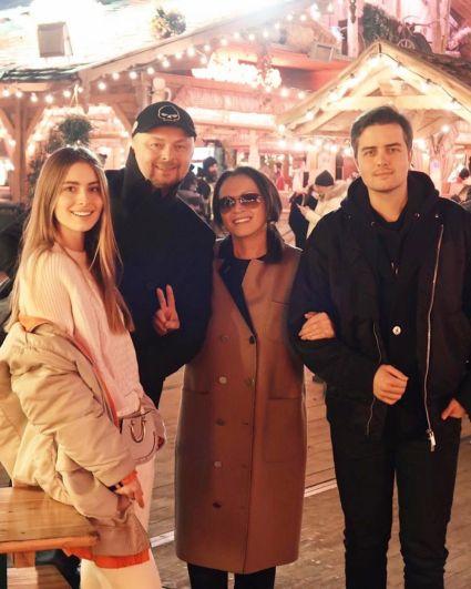 София Ротару отправилась к своим внукам в Лондон, где и встретила праздники.