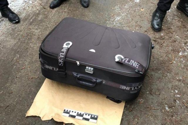 В Днепре нашли чемодан с трупом девушки без следов насильственной смерти