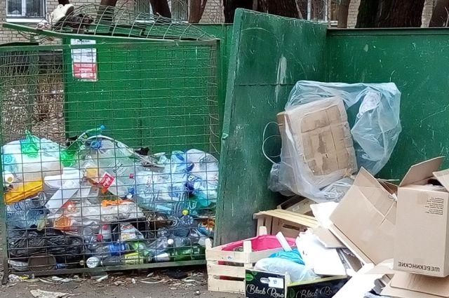 В городе прошла проверка вывоза мусора и содержания контейнерных площадок.