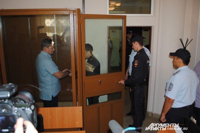 Обвинение настаивает на продлении ареста.