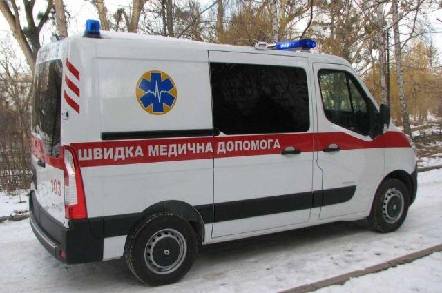 В Киеве женщина шла по улице, упала и умерла.