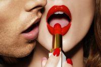 В альтруистических людей более насыщенная сексуальная жизнь в связи с тем, что они просто уделяют другим людям больше внимания.