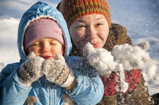 Традиционные снежные забавы доступны всем.