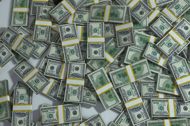 Надымчанка потеряла 160 тысяч рублей, поверив мнимому брокеру