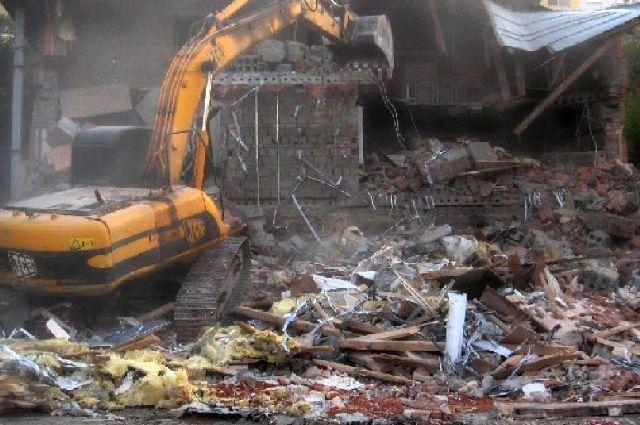 Демонтаж конструкций уже начался.