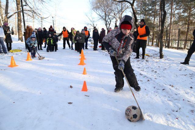 Активное участие в мероприятиях декады спорта и здоровья принимали жители всего Хабаровского края.