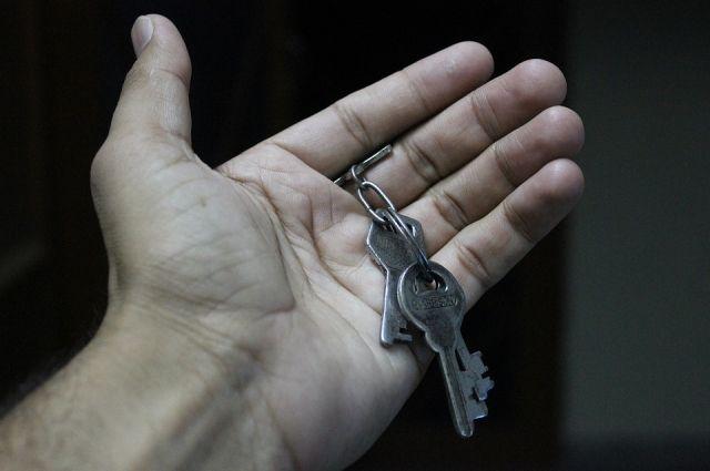 Грабители ночью проникли в квартиру, подобрав ключи