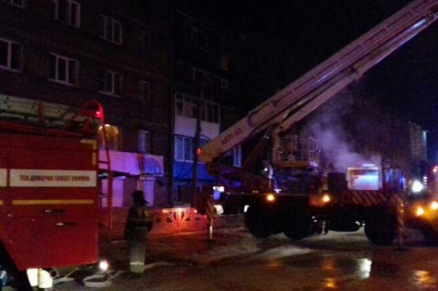 Пожарные тушили жилой дом