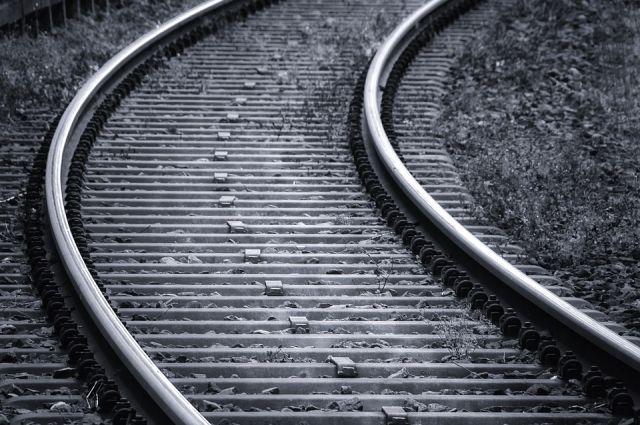 Тело нашли возле железной дороги.