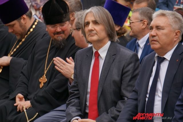 Александр Протасевич (в центре) будет преподавать в МГУ.
