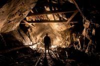 В результате вспышки метана на шахте имени Героев космоса в Павлограде Днепропетровской области пострадали не менее пяти горняков.