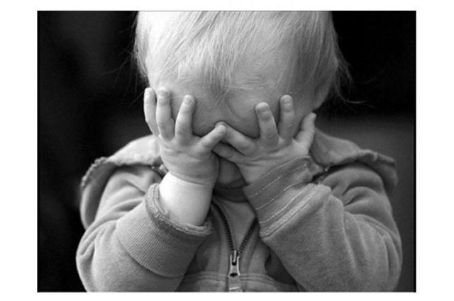 Мужчина истязал малолетних детей своей сожительницы в Хабаровском крае.