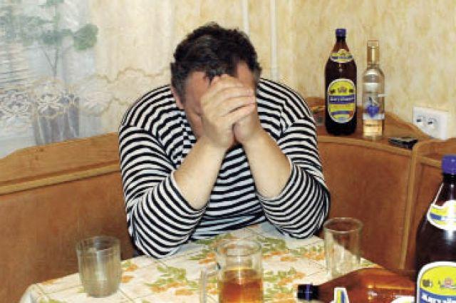 В Грачевке мужчина впал в кому после нарушения запрета на алкоголь