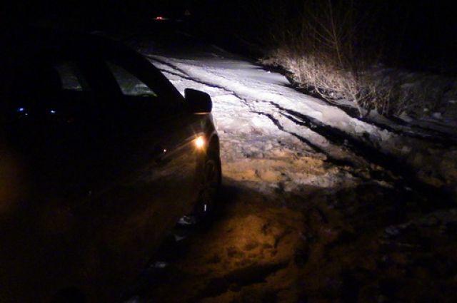 Под Новоорском полицейские спасли из «снежного плена» орских рыбаков