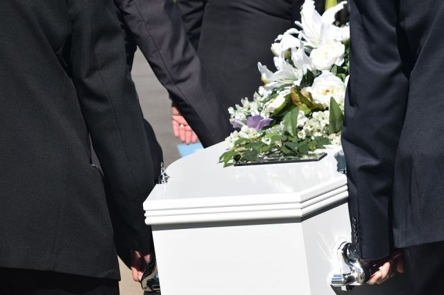 Ямальская прокуратура нашла более 100 нарушений закона в сфере похоронного дела