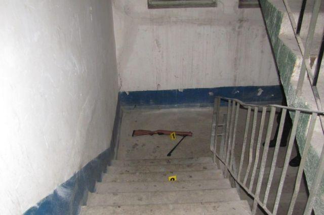 В Кривом Роге домашний деспот не пускал жену домой и стрелял из винтовки