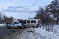 Возле города Чугуева Харьковской области в результате ДТП погибли четыре человека.