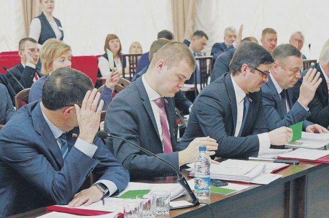 Даже при удовлетворении исков прокуратуры опустевших залов гордум, вероятно, не будет – процесс законотворчества в Барнауле и Бийске не пострадает.