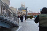 В Киеве грабители приковали мужчину к перилам и отняли рюкзак с деньгами