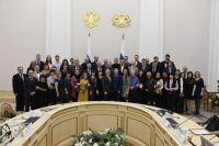 Александр Моор провел встречу с тюменскими СМИ, приуроченную ко Дню печати
