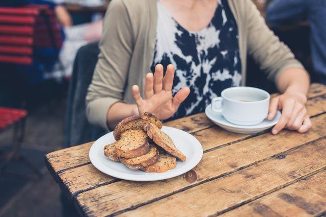 Съесть и... постареть. 10 пищевых привычек, от которых нужно отказаться